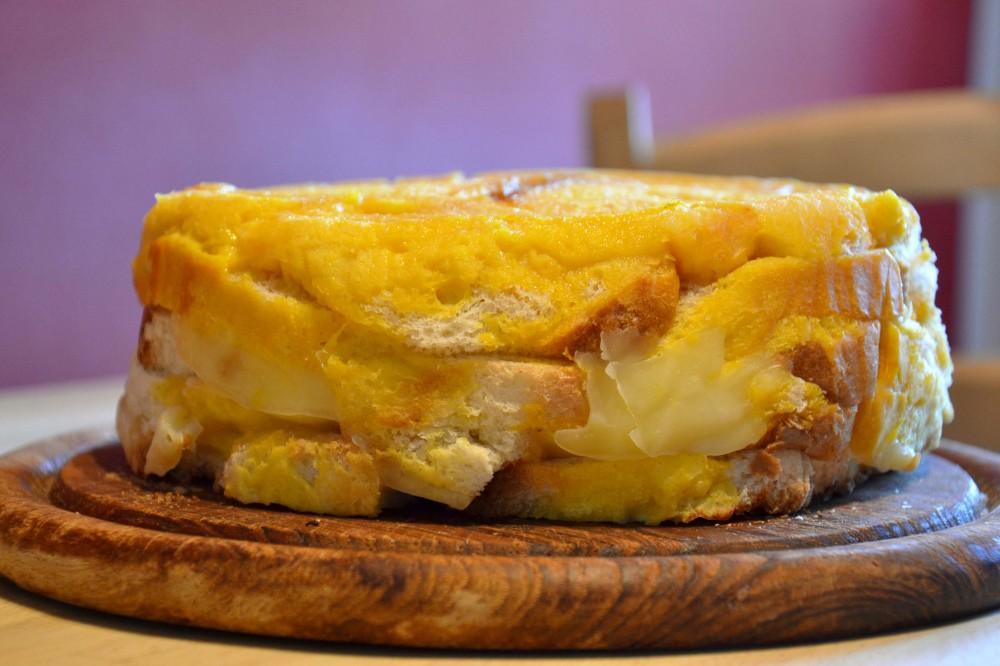 ricetta della domenica | la torta di pane e formaggio di casa mia