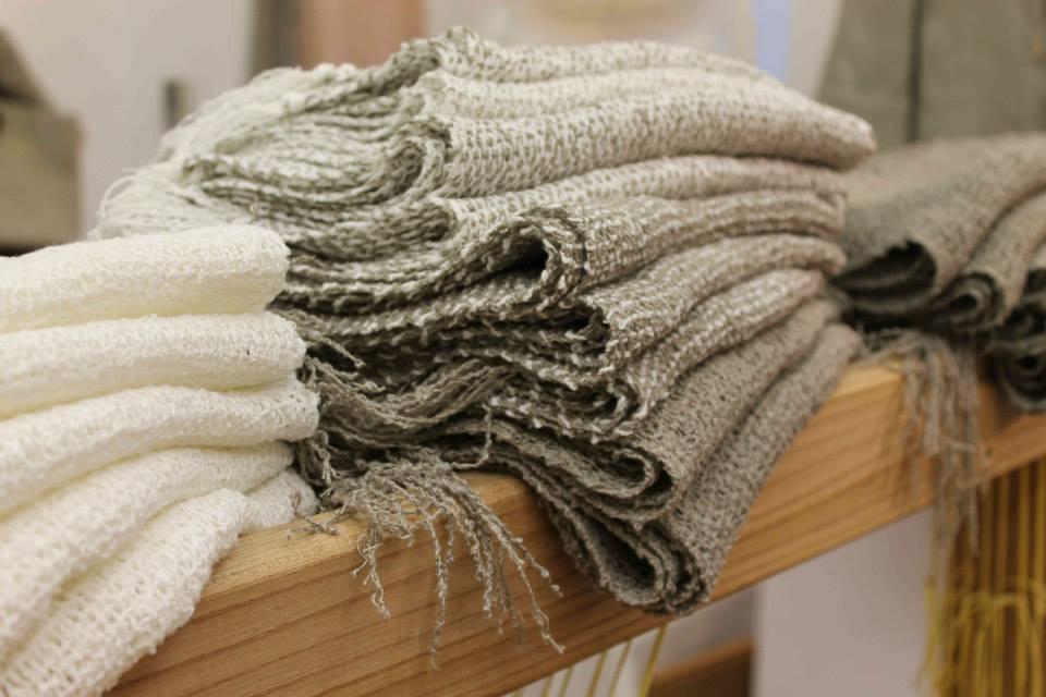 Tessitura manuale a trieste - Telaio da tavolo per tessitura a mano ...